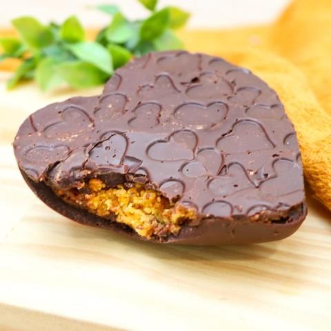 Coração de Chocolate Recheado Com Bolo de Cenoura e Brigadeiro Sem Açúcar Refinado Sem Lactose (sem Lácteos) Sem Glúten