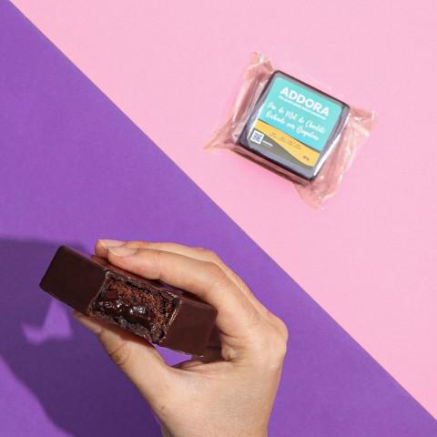 Pão De Mel De Chocolate Recheado Com Brigadeiro Tradicional - Sem Açúcar Refinado Sem Lactose (Sem Lácteos) Sem Glúten Low Carb A Dora Adora - 80 Gramas