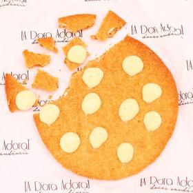 Cookies Gigante com Gotas de Chocolate Branco - 150g A Dora Adora