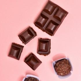 Barra de Chocolate Recheada com Brigadeiro - 120g A Dora Adora
