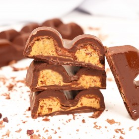 Barra de Chocolate Recheada com Cookies Cream - 120g A Dora Adora